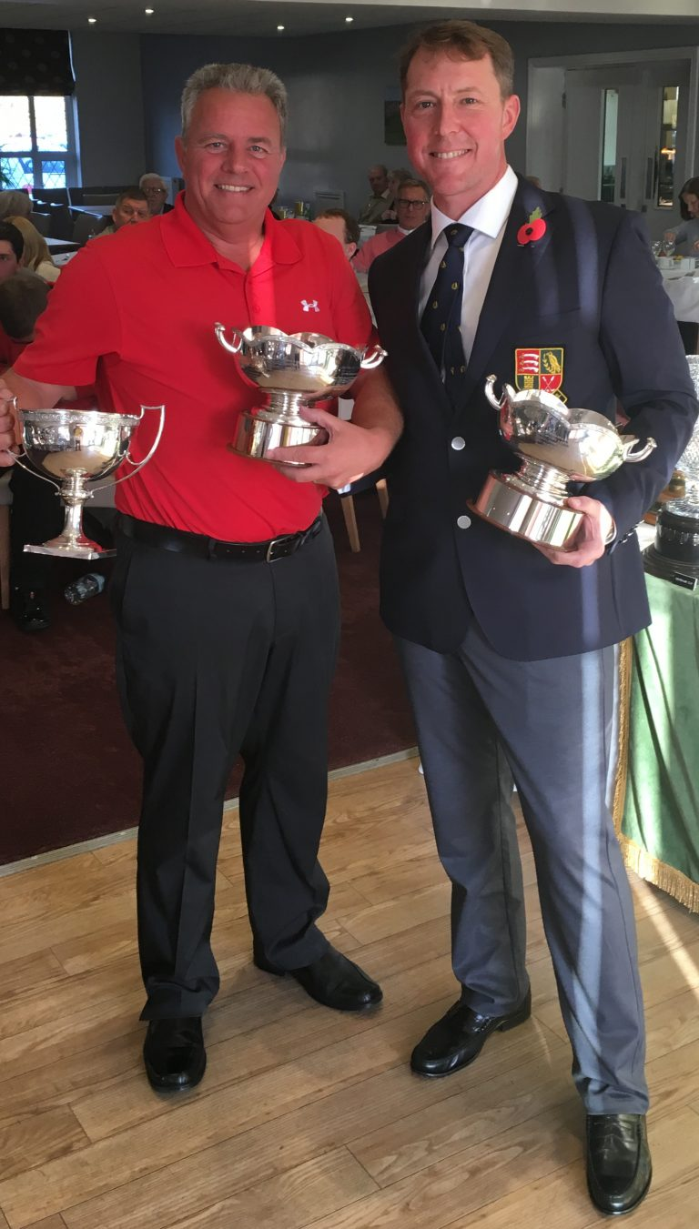 Page Cup and Stableford Bowls winners - Shirley and Barry Newbery